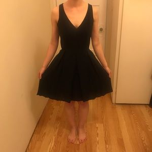 AMANDA UPRICHARD Little Black Dress
